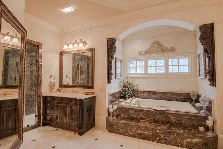 sisco master bath